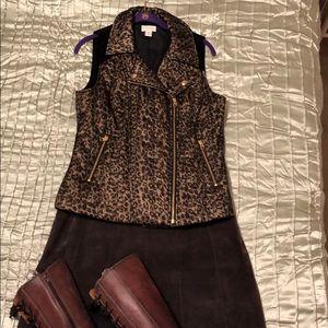 Leopard print Vest w/Gold Thread Running Through